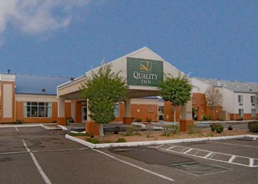 Budget Host Inn Suites North Branch