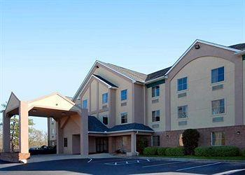 ‪Comfort Inn & Suites Macon‬