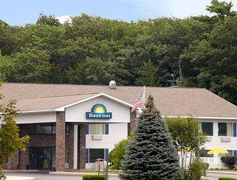 Cadillac - Days Inn