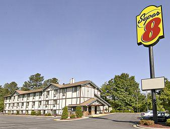 ‪Super 8 Spring Lake/Ft Bragg‬