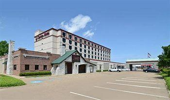 Clarion Hotel & Suites Jackson North