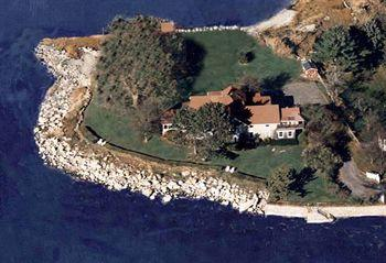 Photo of Linden Point House Branford