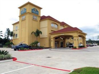 Photo of La Quinta Inn & Suites Lumberton