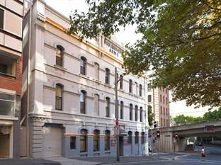 Woolbrokers Hotel