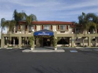 Photo of Howard Johnson Inn & Suites - Reseda Los Angeles