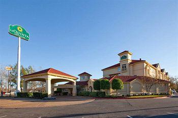 Photo of La Quinta Inn & Suites Alexandria Airport