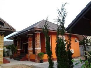 Phuaroon Guesthouse & Resort