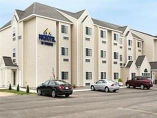 ‪Microtel Inn & Suites by Wyndham Prairie du Chien‬