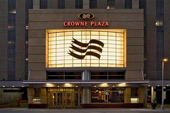 ‪Crowne Plaza Downtown - Northstar‬