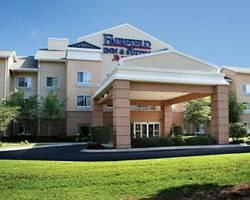 Fairfield Inn & Suites Charleston North / Elms Center