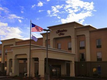 ‪Hampton Inn Utica‬
