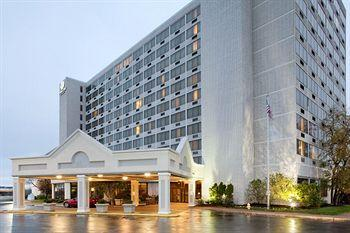 DoubleTree by Hilton Hotel St. Louis - Westport