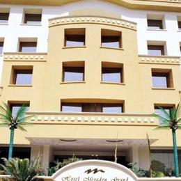 Hotel Meraden Grand