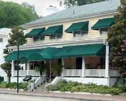 Photo of The Smithfield Inn Bed and Breakfast, Restaurant and Tavern