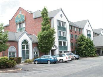 La Quinta Inn & Suites Cleveland Macedonia