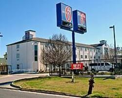 Motel 6 New Orleans - Service Road