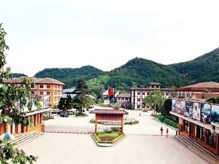 Lushan Tianmu Hotspring Holiday Village Hotel