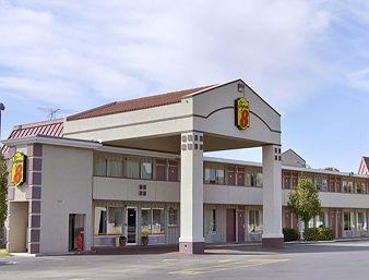 ‪Super 8 OKC/Frontier City‬