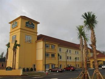 La Quinta Inn & Suites North Mobile - Satsuma