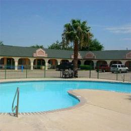 Hondo Executive Inn