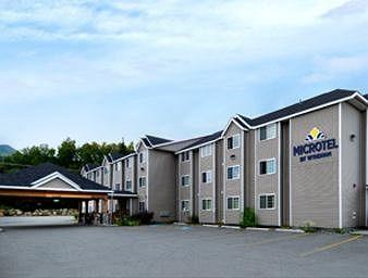 ‪Microtel Inn & Suites by Wyndham Eagle River/Anchorage Area‬
