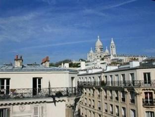 Photo of Comfort Hotel Saint Pierre Paris