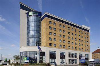 Holiday Inn Express London-Newbury Park