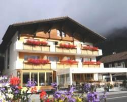 Photo of Hotel Kruezli Sedrun