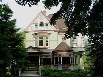 ‪Estabrook House Bed and Breakfast‬