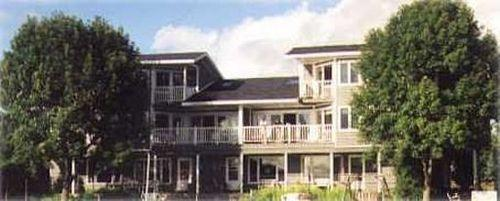 Photo of Snug Harbor Inn Sturgeon Bay