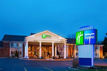 ‪Holiday Inn Express Chicago-St. Charles‬
