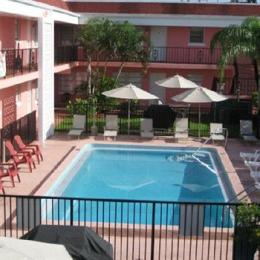Photo of Travelers Inn Deerfield Beach