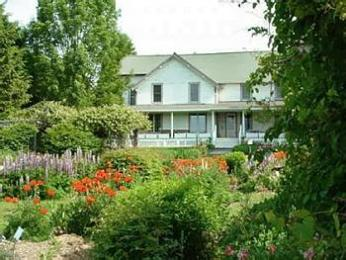 Berry Hill Gardens Bed and Breakfast