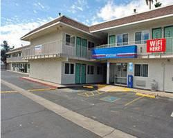 Photo of Motel 6 Phoenix Mesa - Country Club Dr