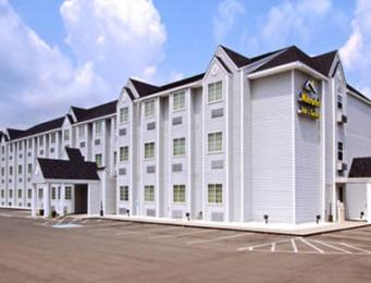 Microtel Inn & Suites by Wyndham Gassaway/Sutton