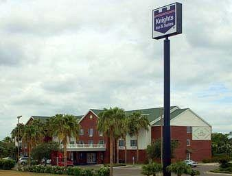‪Knights Inn and Suites‬