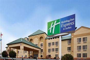 Holiday Inn Exp Suites Fenton