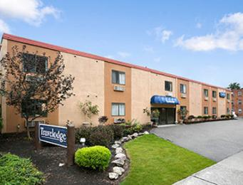 Travelodge - Lakewood