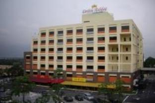 Photo of Carlton Holiday Hotel & Suites Shah Alam