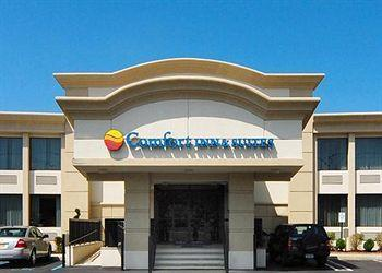 Comfort Inn & Suites Paramus NJ
