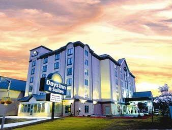 ‪Days Inn & Suites By the Falls‬