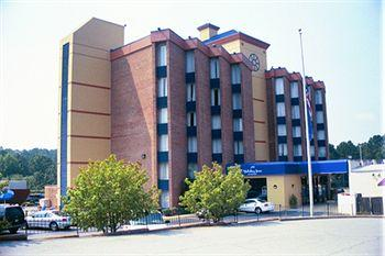 ‪Holiday Inn Express Macon (I-75 & Riverside)‬
