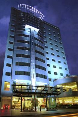 Plaza Real Suites Hotel