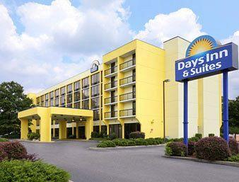 Days Inn & Suites SE Columbia Ft Jackson