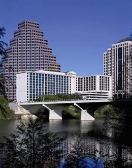 ‪Radisson Hotel & Suites Austin Downtown‬
