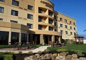 Courtyard Lima Ohio