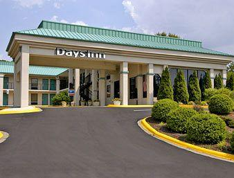 Days Inn Hendersonville