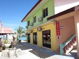 Tanjung Mali Beach Motel