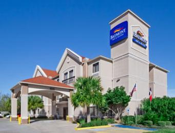 ‪Baymont Inn and Suites Clute‬