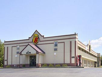 Super 8 Motel - Scottsburg